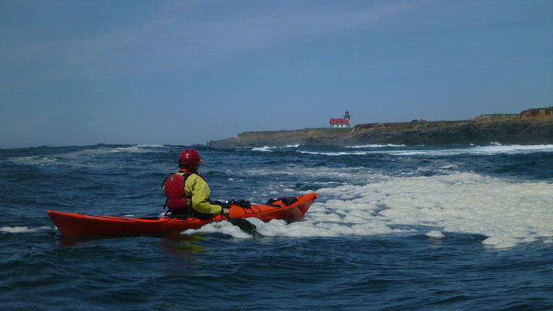 sea kayaking mendocino coast lighthouse